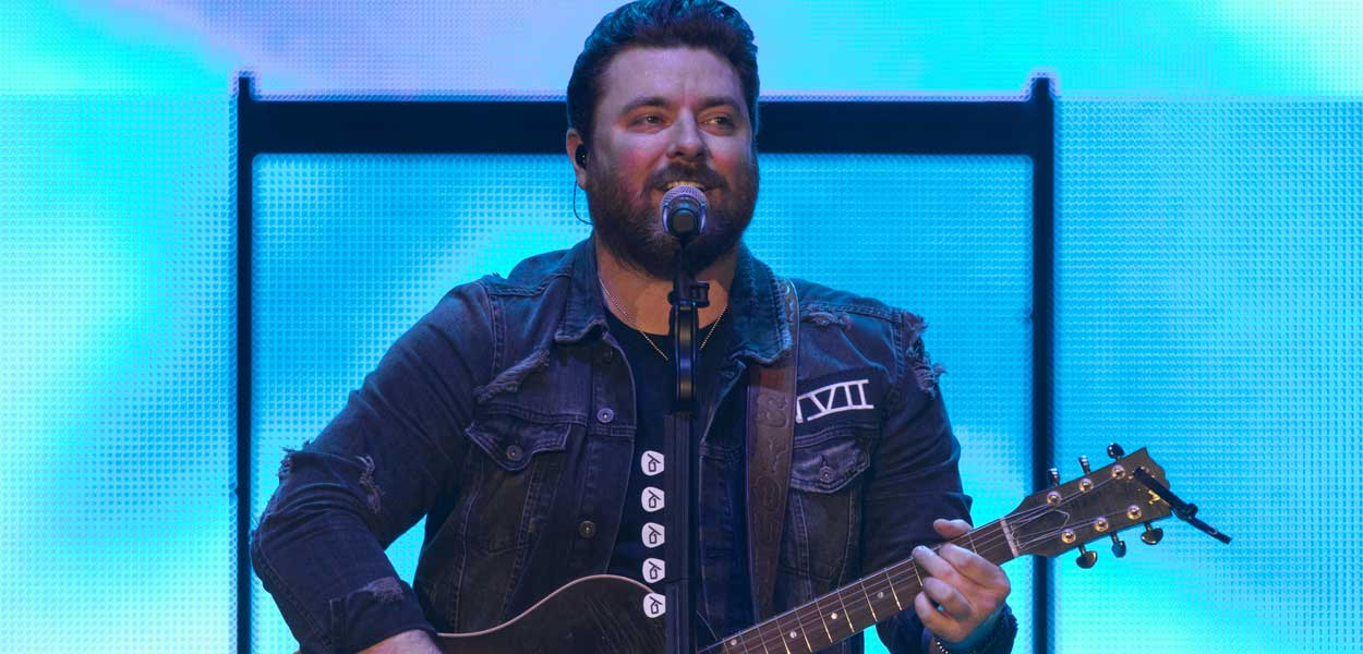 Chris Young extends Tour