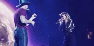 Tim McGraw and Faith Hill peforming
