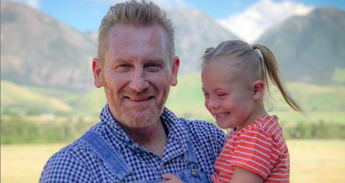 Joey + Rory Rory Feek and Daughter Indiana back to the studio
