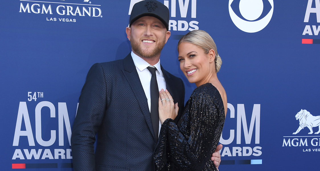 Cole Swindell and girlfriend Barbie Blank split
