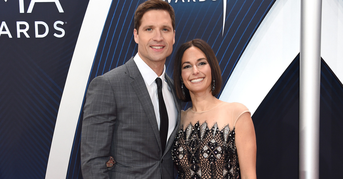 Walker Hayes honors wife Laney in new song Don't let her