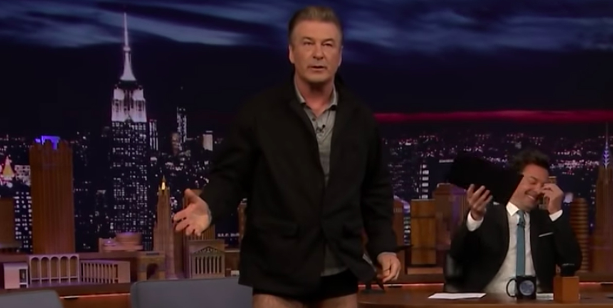 Alec Baldwin drops pants to show weight loss on Jimmy Fallon